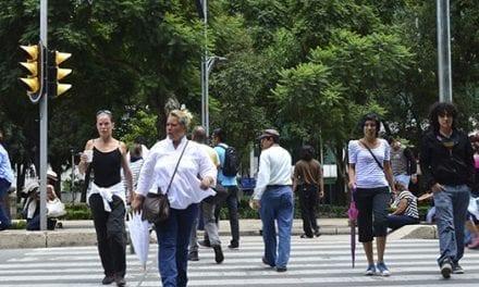 Adultos mayores: Luz verde a la seguridad peatonal