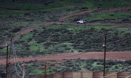 Senadores de EE.UU. presentan una ley para frenar la construcción del muro con México