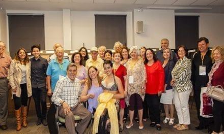 Con una exhibición de arte celebraron el Dia de Canadá los adultos mayores hispanos
