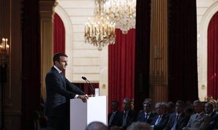 "Macron califica el régimen de Maduro de ""dictadura"""