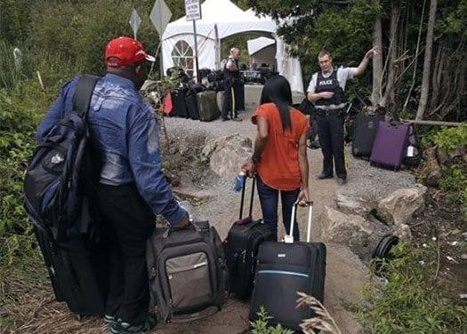 ENCRUCIJADA: Las realidades ocultas de los inmigrantes hispanos en las celebraciones de la Navidad