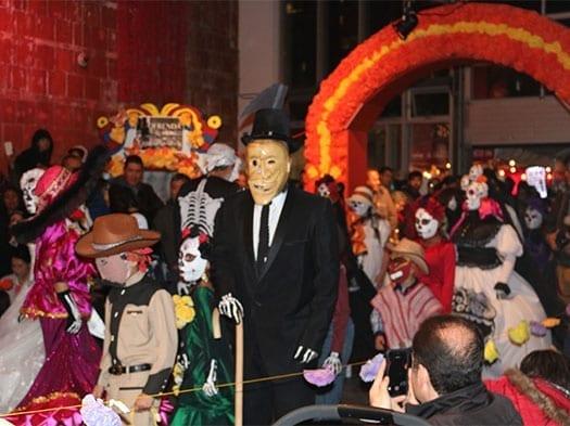 Mexicanos celebraron Día de los Muertos en Toronto