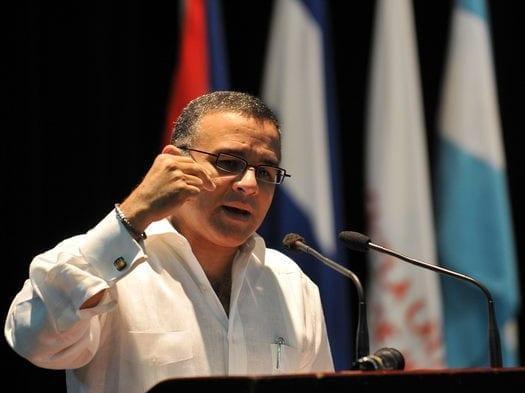 Expresidente Funes comienza campaña para restar votos a oposición salvadoreña