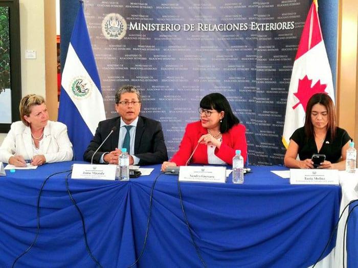 Selección de salvadoreños para trabajar en Canadá está por iniciar