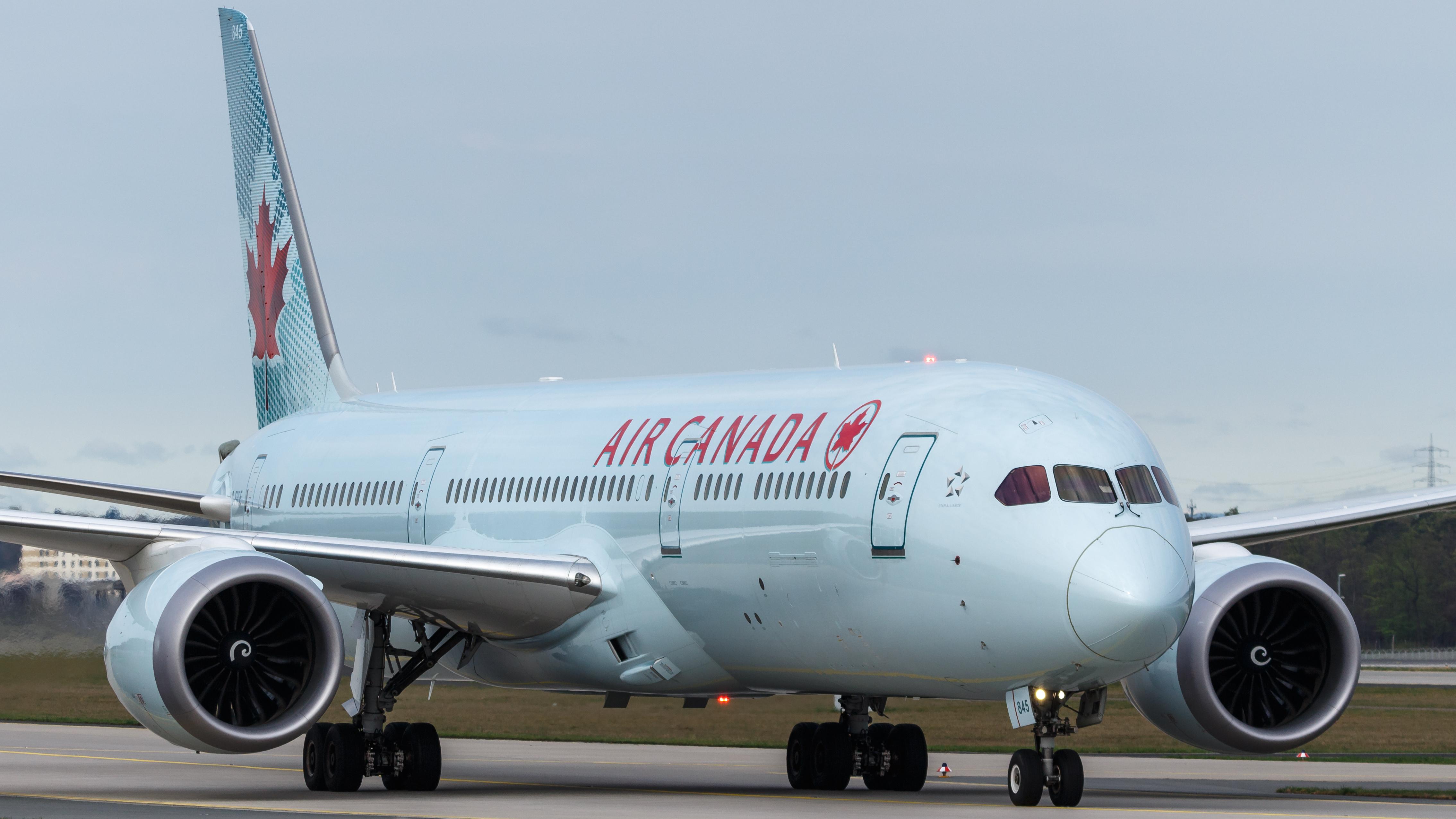 Air Canada anuncia pérdidas multimillonarias en el segundo trimestre del año