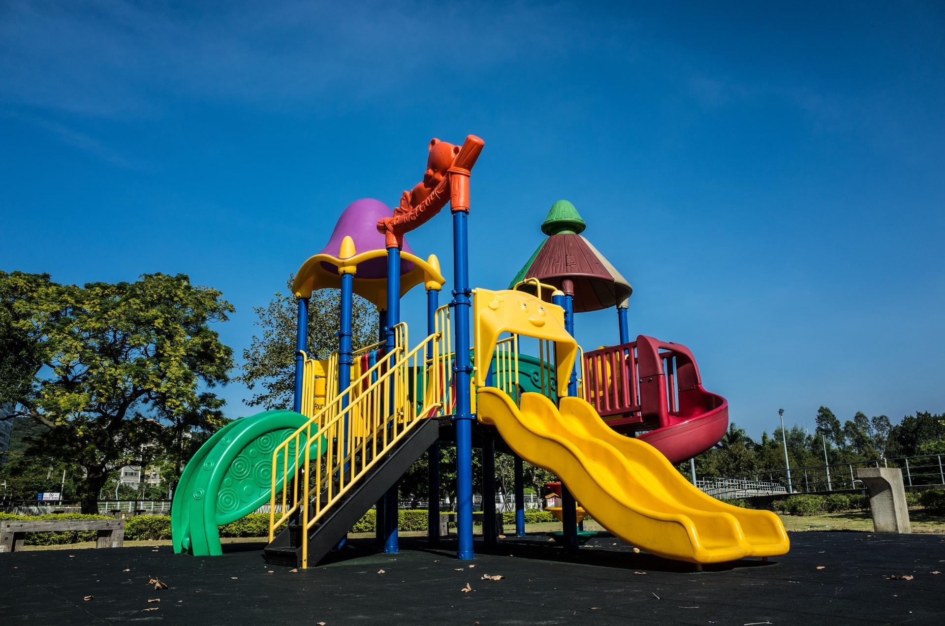 Los parques infantiles reabrirán en Toronto como en la tercera fase