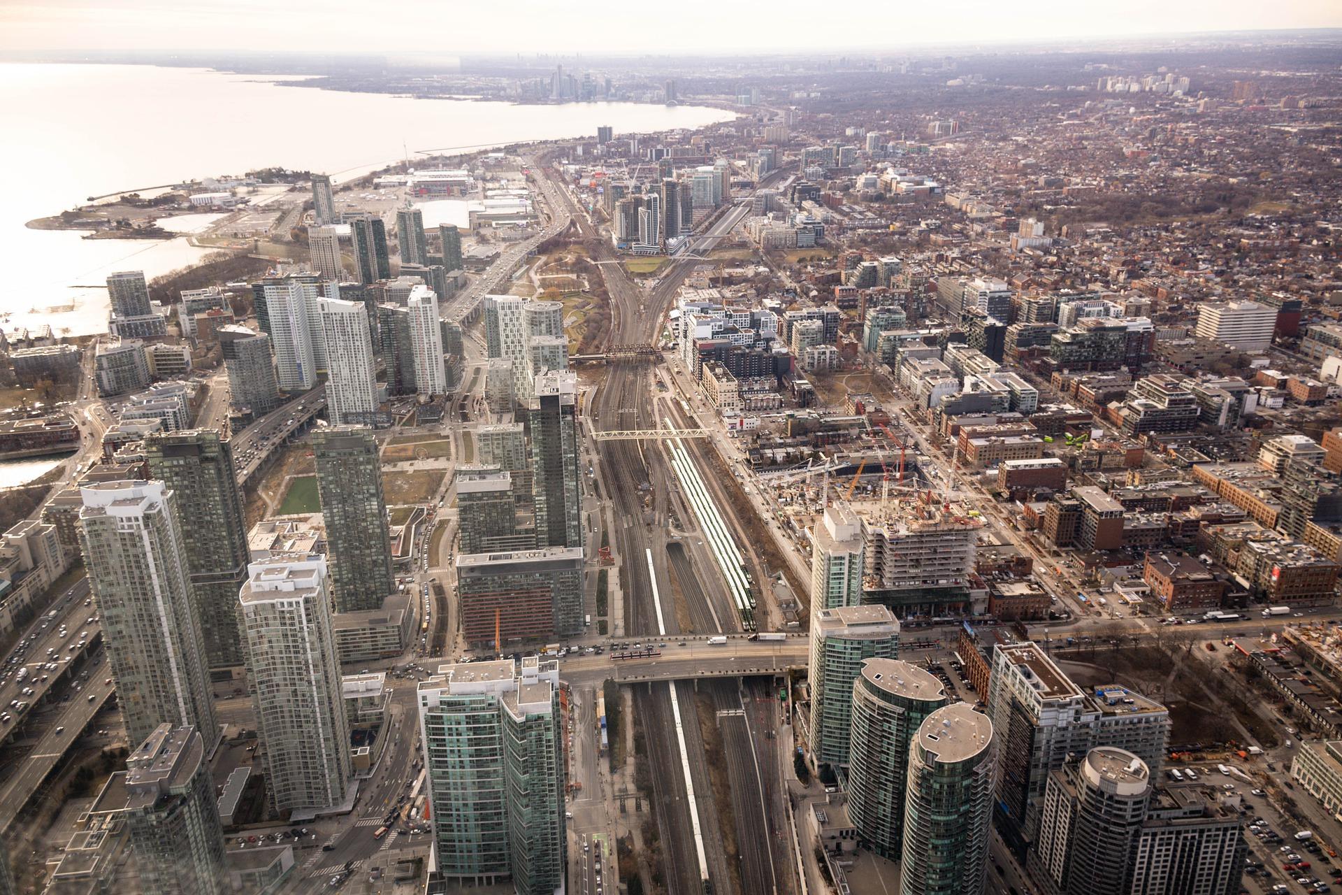 El precio de los apartamentos de una habitación en Toronto ha bajado 10% desde el año pasado