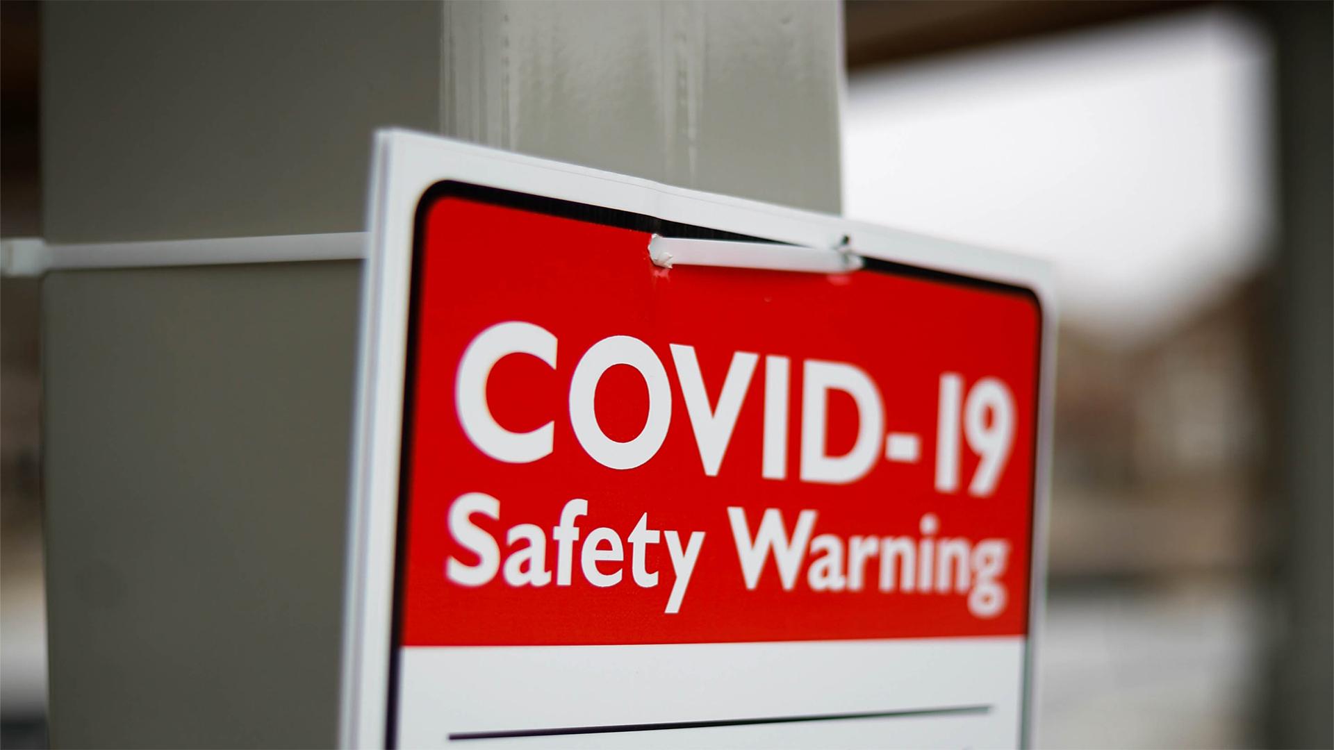 Ontario reporta 704 nuevos casos de COVID-19 y cuatro muertes