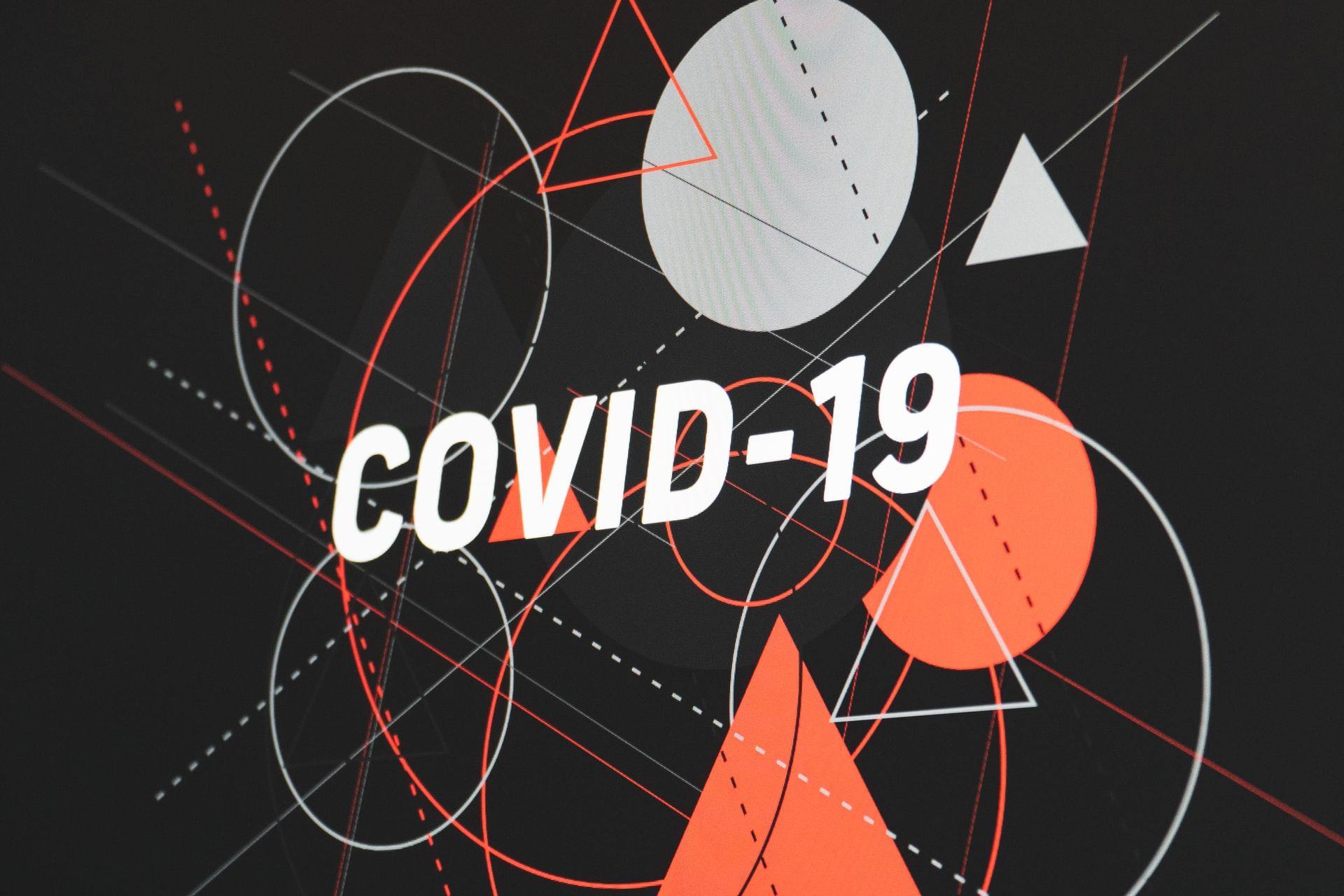 Ontario reporta 821 nuevos casos de COVID-19 y tres muertes