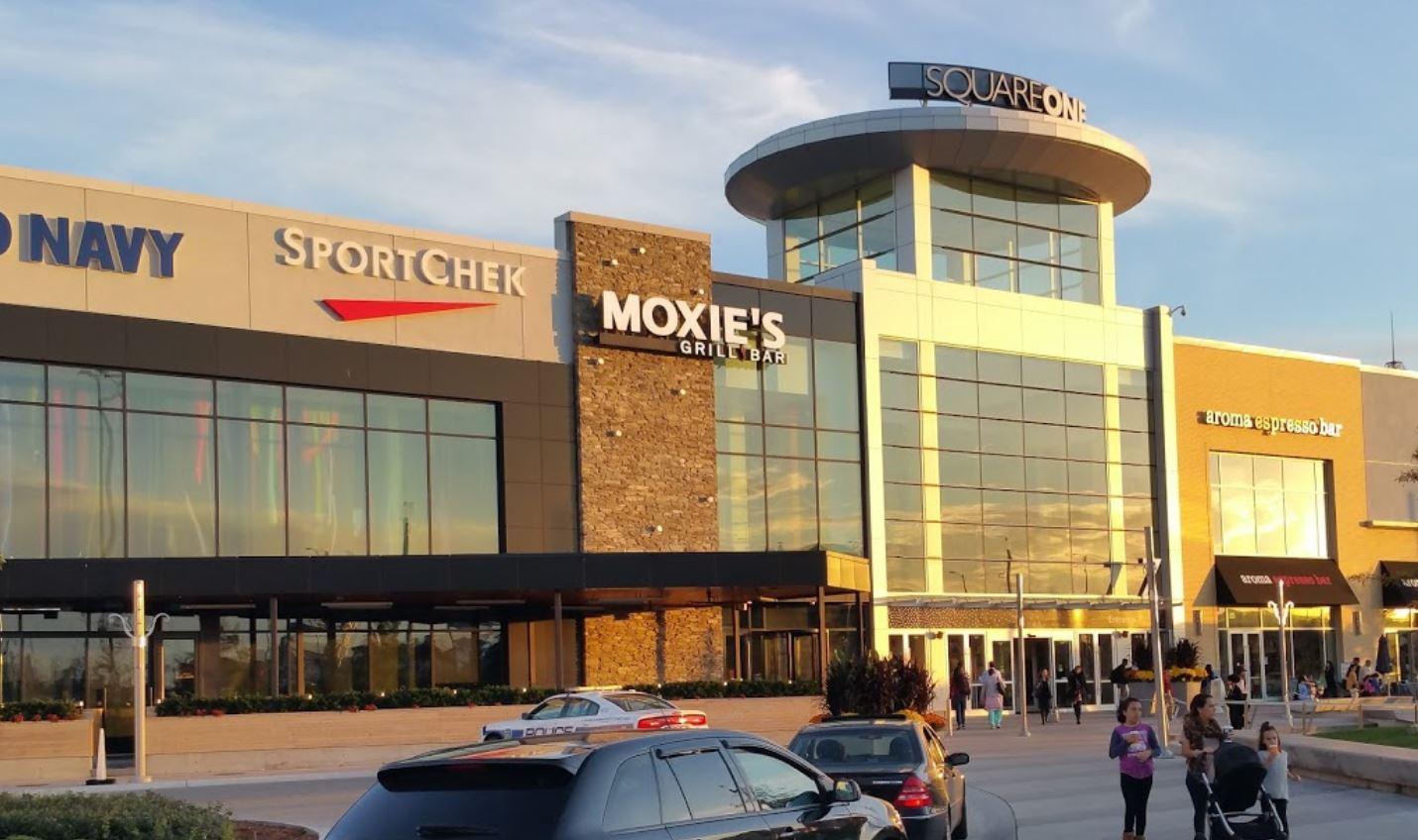 Varios centros comerciales están extendiendo sus horarios de apertura este fin de semana